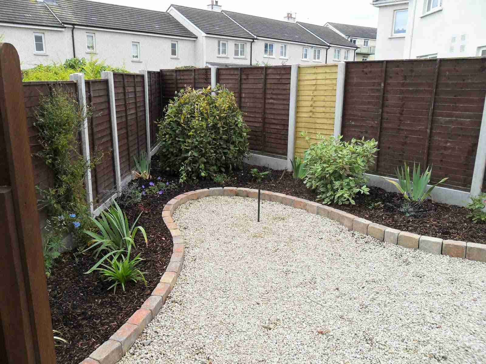 Landscaping fencing balbriggan co dublin concrete post for Low maintenance gravel garden