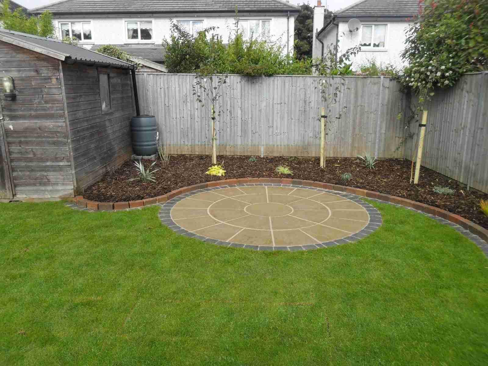 Circular Patio,Raised Patio Garden Design, Roschoill ... on Raised Garden Patio Ideas id=52136