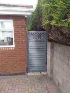 Image of Elite Slaney side gate with trellis top